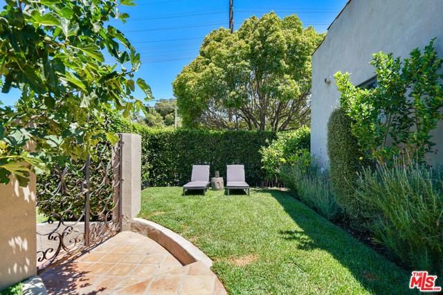 23. 750 N Curson Avenue Los Angeles, CA 90046