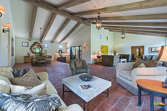 233 W Crestview Drive, Palm Springs, CA 92264