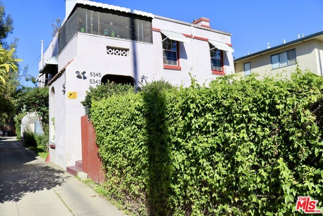 5343 RUSSELL Avenue, Los Angeles, CA 90027