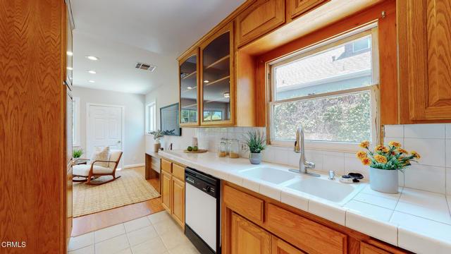 17. 3223 Grandeur Avenue Altadena, CA 91001