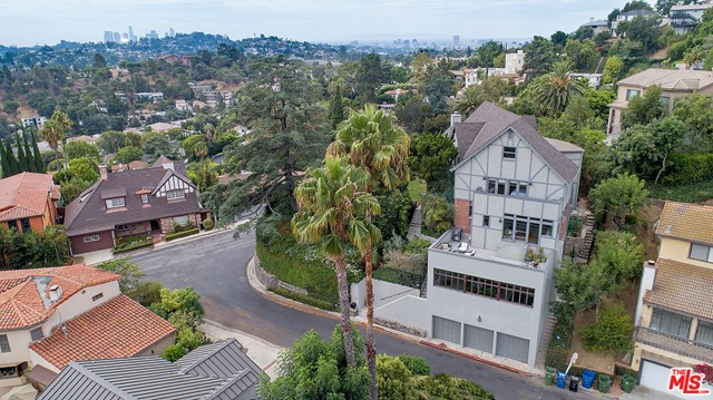 Image 3 of 3705 Lowry Rd, Los Angeles, CA 90027