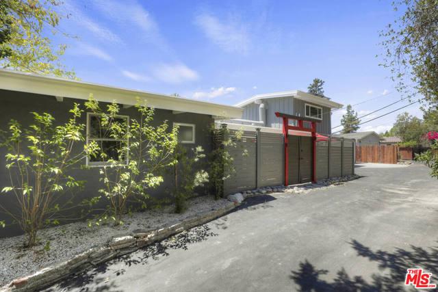 4901 Escobedo Drive Woodland Hills, CA 91364