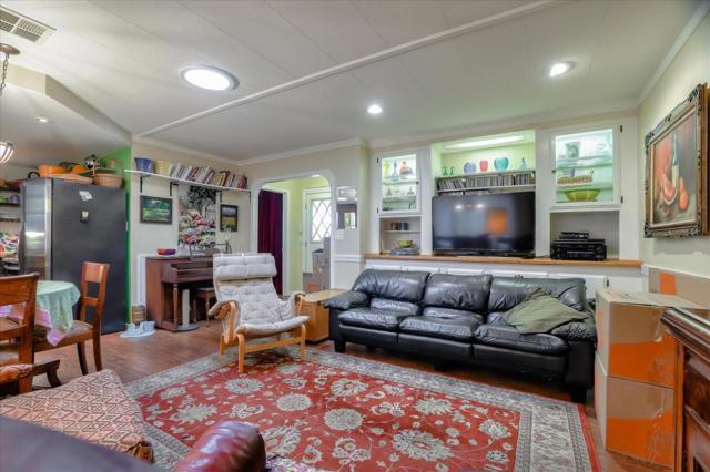 870 Camden Avenue, Campbell, California 95008, 2 Bedrooms Bedrooms, ,2 BathroomsBathrooms,Residential,For Sale,Camden,ML81802243