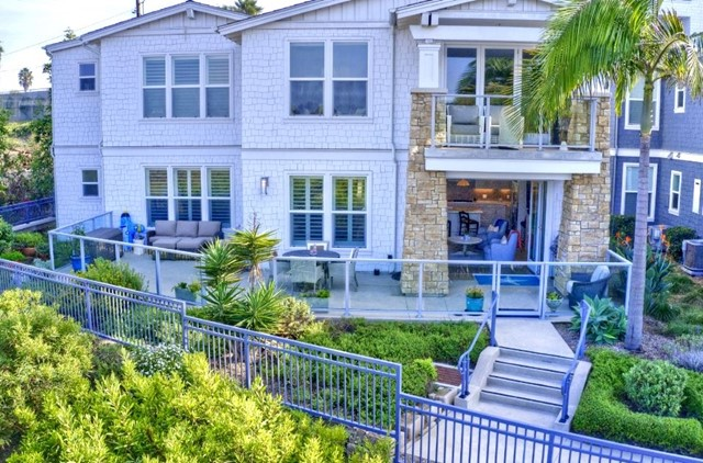 2393 Ocean St, Carlsbad, CA 92008