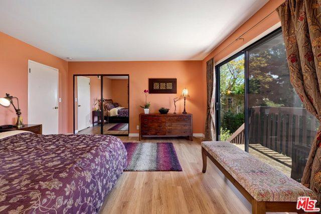 14. 2750 Medlow Avenue Los Angeles, CA 90065