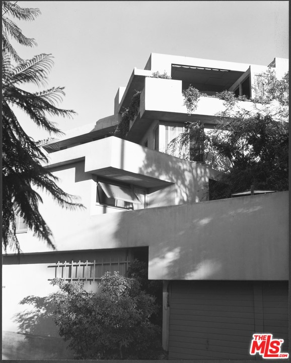 3631 Carnation Avenue, Los Angeles, CA 90026