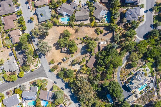 21710 Regnart Road, Cupertino, CA 95014