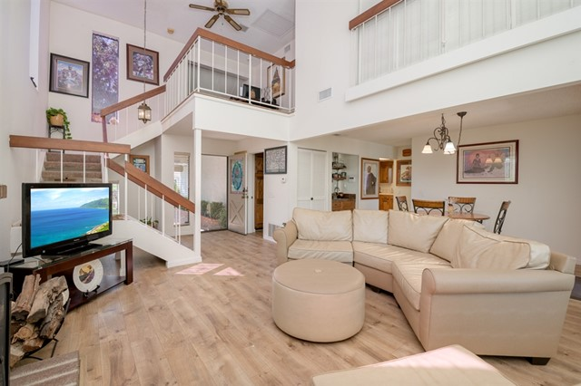 10828 Charing Cross Rd, Spring Valley, CA 91978