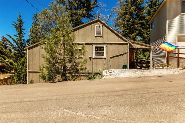 32996 Canyon Dr, Green Valley Lake, CA 92341