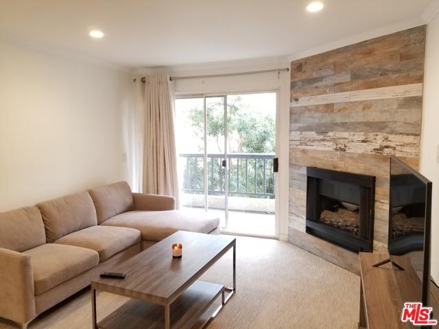 Photo of 5500 Owensmouth Avenue #213, Woodland Hills, CA 91367