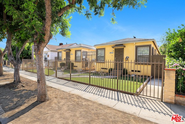 8933 TOPE Avenue, South Gate, CA 90280