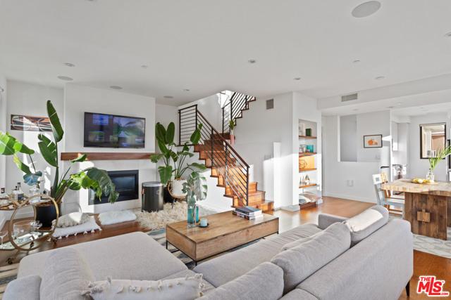 140 S Hayworth Avenue, Los Angeles, CA 90048