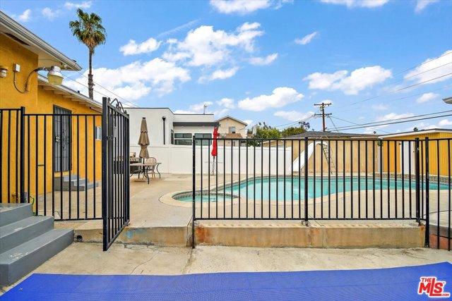 24. 6002 S La Cienega Boulevard Los Angeles, CA 90056