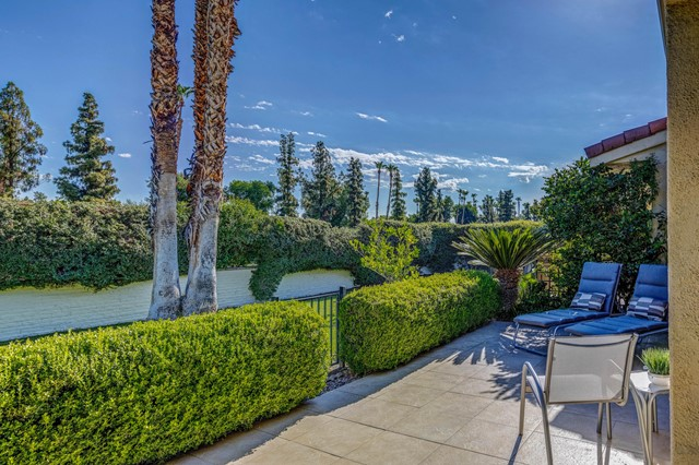 35. 2376 Oakcrest Drive Palm Springs, CA 92264