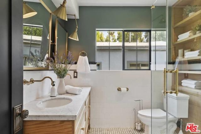 14. 1339 Coronado Terrace Los Angeles, CA 90026