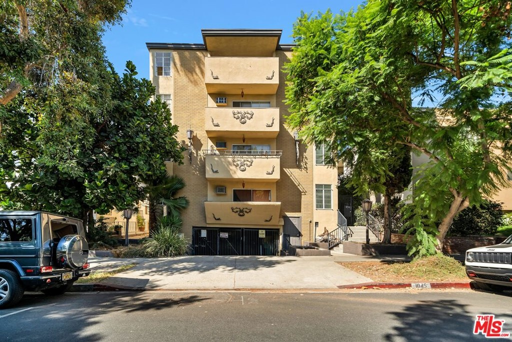 Photo of 1045 N Harper Avenue, West Hollywood, CA 90046