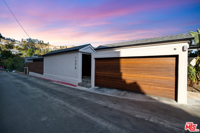 23. 1478 Stebbins Terrace Los Angeles, CA 90069