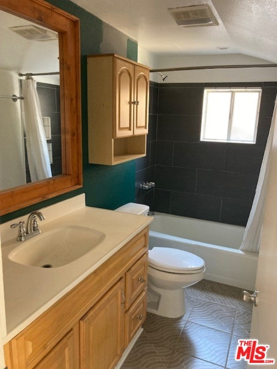 2378 Allesandro Street, Los Angeles, California 90039, 1 Bedroom Bedrooms, ,1 BathroomBathrooms,Residential,For Rent,Allesandro,21754334