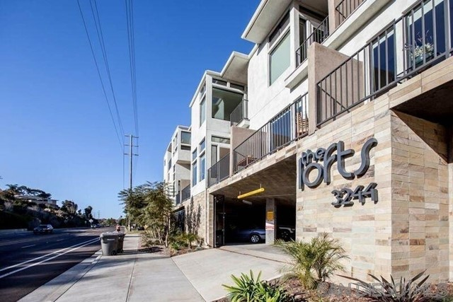 3244 Nimitz Blvd. 2, San Diego, CA 92106