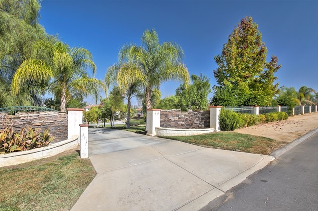 17250 Scottsdale Rd, Riverside, CA 92504
