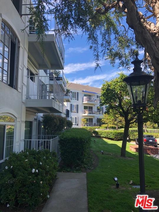 500 Cagney Ln, Newport Beach, CA 92663 Photo