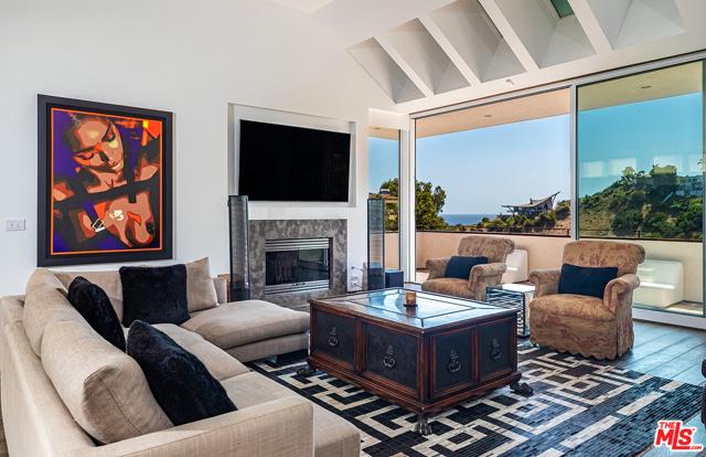 5. 21070 Las Flores Mesa Drive Malibu, CA 90265