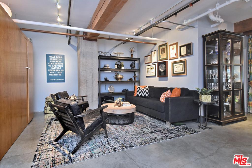 Flex Second Bedroom / Living Area wi Custom Murphy Bed