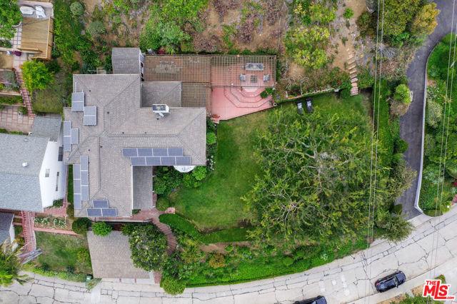 49. 3747 Effingham Place Los Angeles, CA 90027