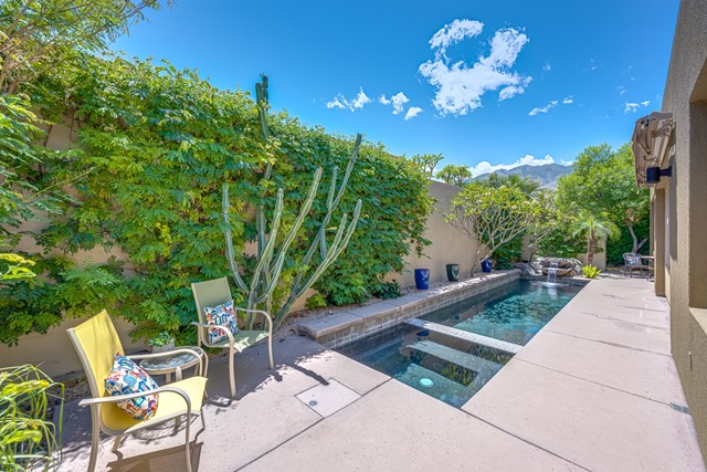 2943 Candlelight Lane, Palm Springs, CA 92264
