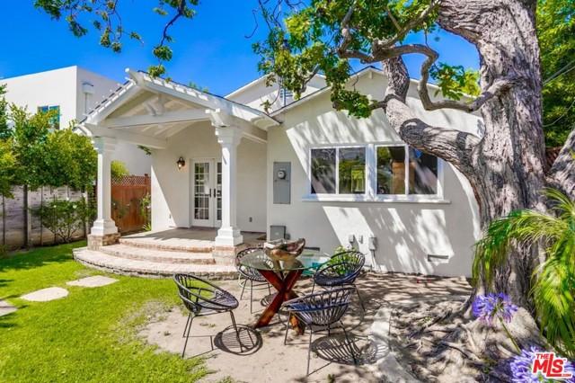 25. 1724 S Carmelina Avenue Los Angeles, CA 90025