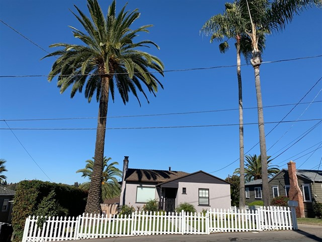 7576 Saranac Ave, La Mesa, CA 91942