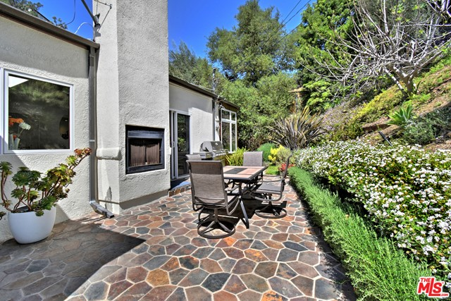 25. 1262 N Norman Place Los Angeles, CA 90049