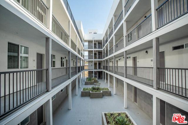 742 S Westlake Avenue 501, Los Angeles, CA 90057