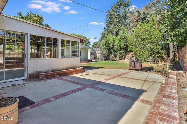 24. 10133 Gaviota Avenue North Hills, CA 91343