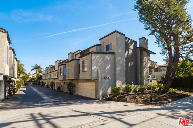 12821 Moorpark Street 3, Studio City, CA 91604