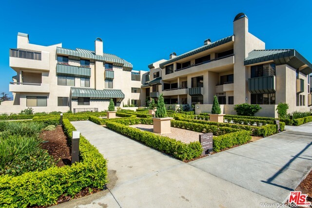 2284 Century Hill, Los Angeles, CA 90067