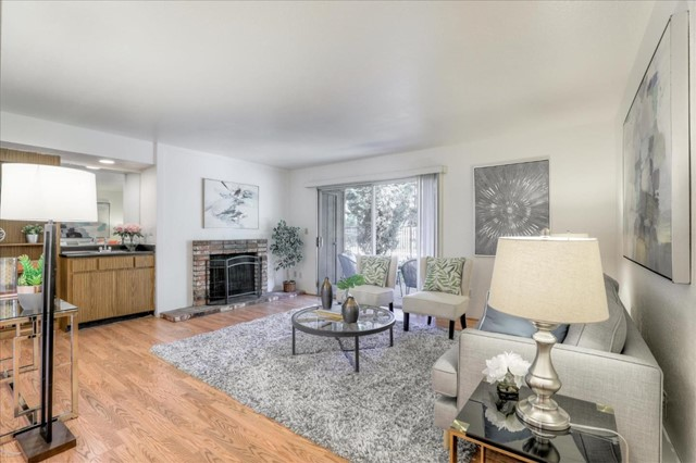 50 Middlefield Road 33, Mountain View, CA 94043
