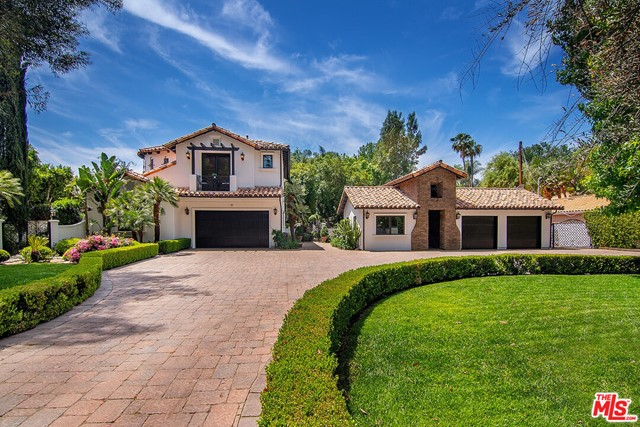 Photo of 23500 Collins Street, Woodland Hills, CA 91367