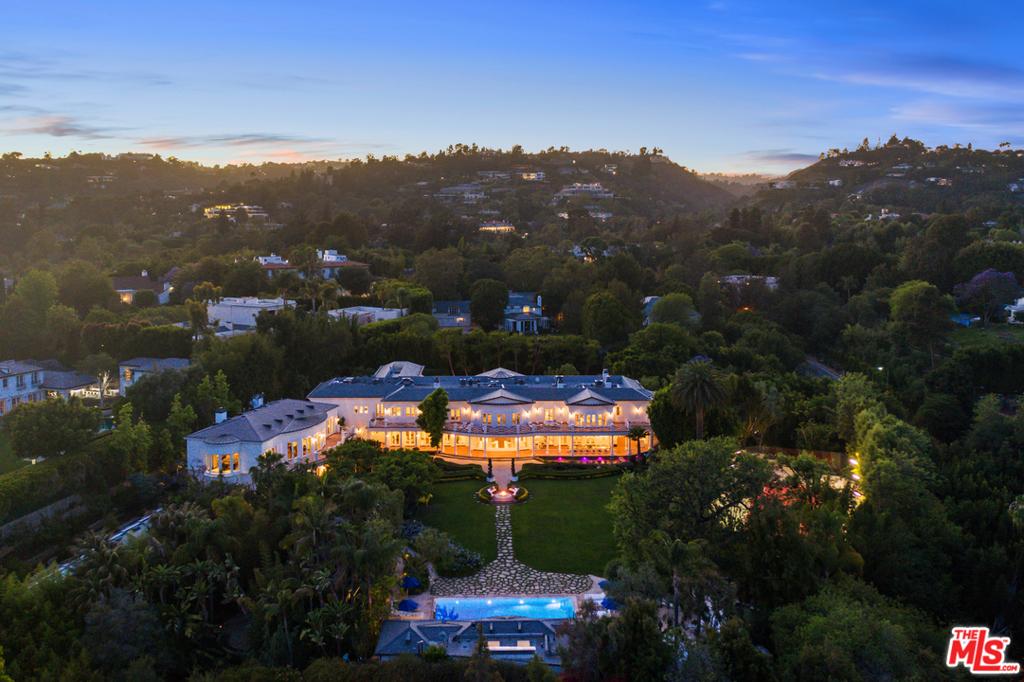 Photo of 10250 W Sunset Boulevard, Los Angeles, CA 90077