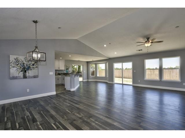4559 Arboga Rd, Olivehurst, CA 95961
