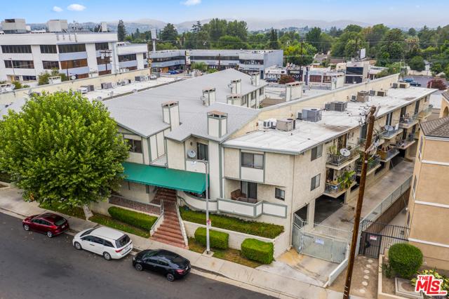 22865 Del Valle St, Woodland Hills, CA 91364 Photo