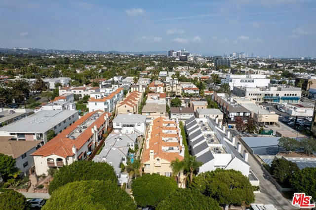1127 20Th Street, Santa Monica CA: https://media.crmls.org/mediaz/D1AF0D66-CBC8-4CE6-B3DF-C0E0FB429570.jpg