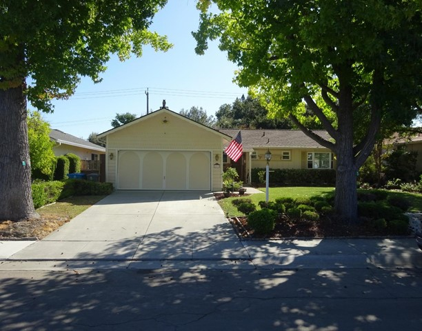 10802 Estates Drive, Cupertino, CA 95014