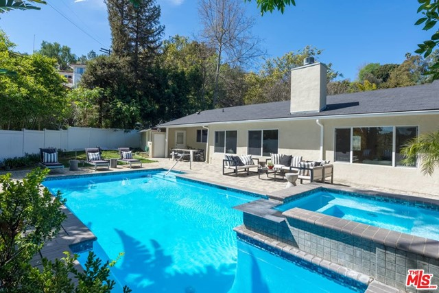 3640 WRIGHTWOOD Drive, Studio City, CA 91604