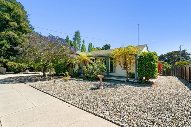 35. 929 Bay Street Santa Cruz, CA 95060