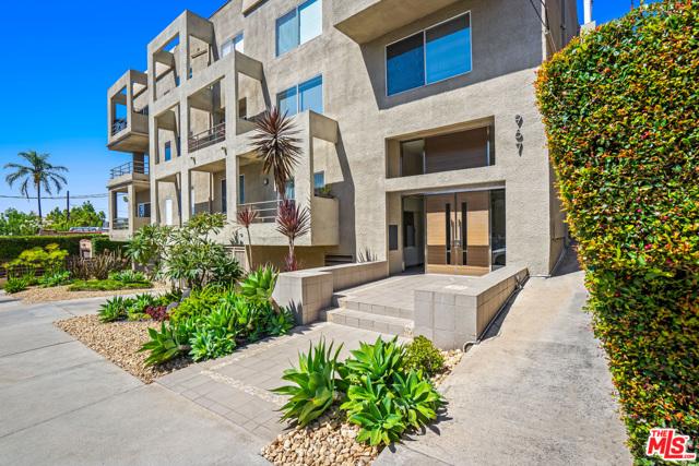 967 Hammond Street 6, West Hollywood, CA 90069