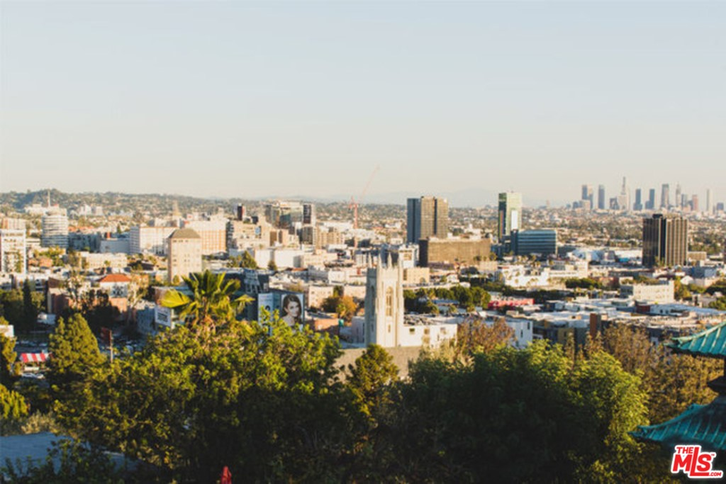8501     Hedges Place, Los Angeles CA 90069