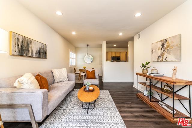 4. 330 S Barrington Avenue #110 Los Angeles, CA 90049