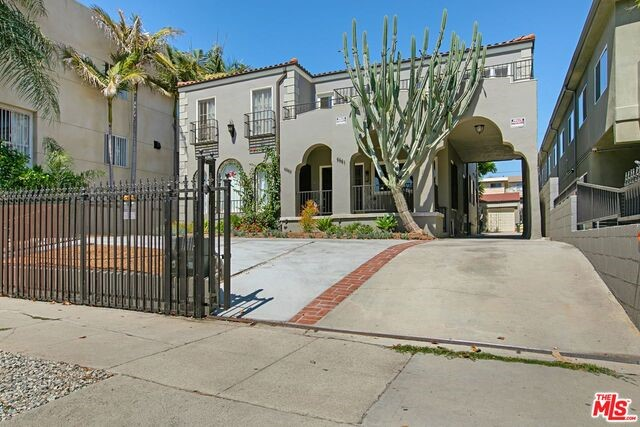 4841 ELMWOOD Avenue, Los Angeles, CA 90004