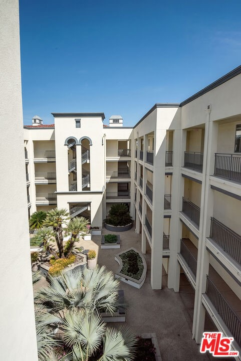 12963 Runway Rd, Playa Vista, CA 90094 Photo 29